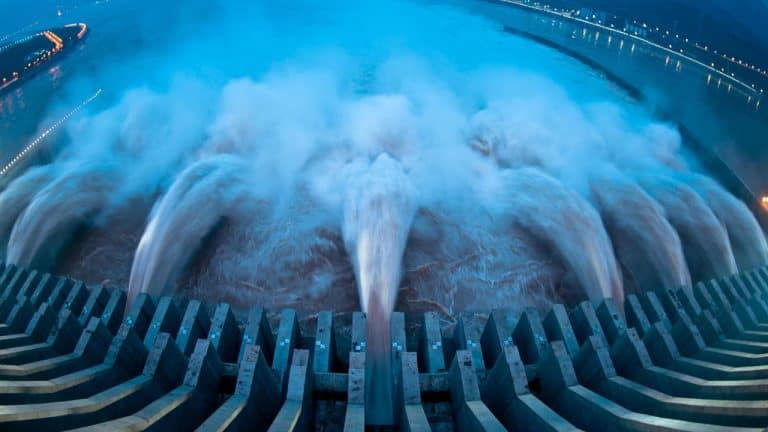 Flooding Threatens China's Bitcoin Miners, Chinese Billionaire Says 'Three Gorges Dam Collapse Imminent'